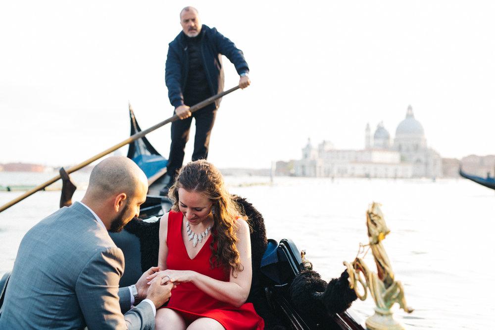 Venice gondola proposal photographer - Flytographer
