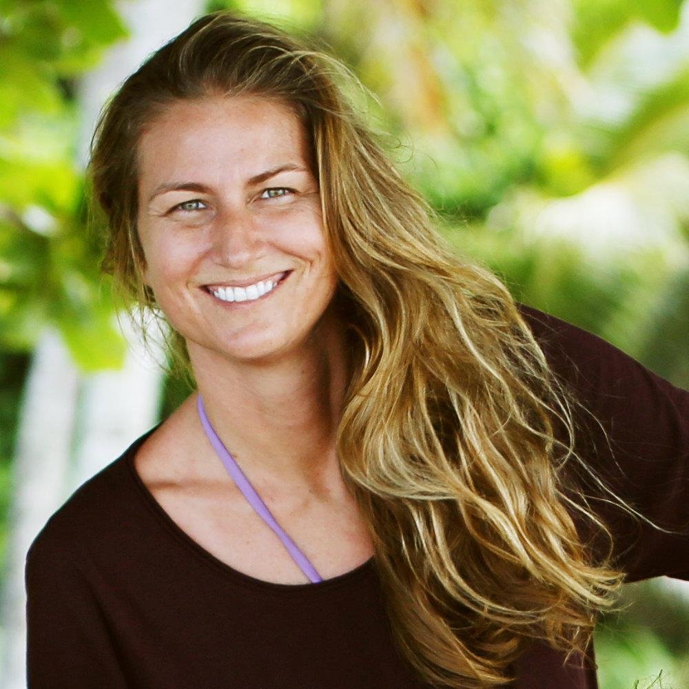 Your Vacation Photographer in Kauai: Meet Brigitte