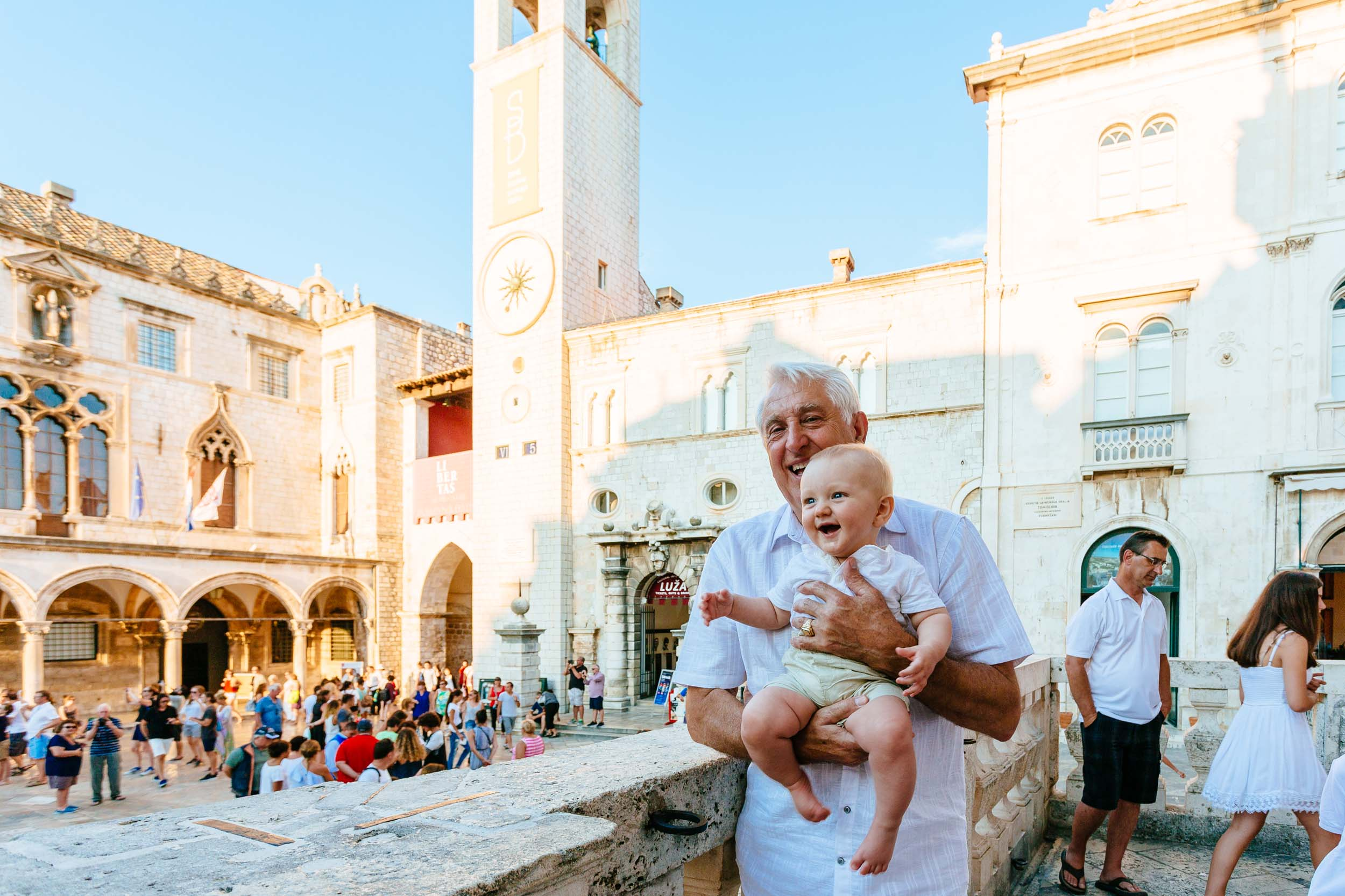 The Bjelos family in  Dubrovnik    Flytographer Božo