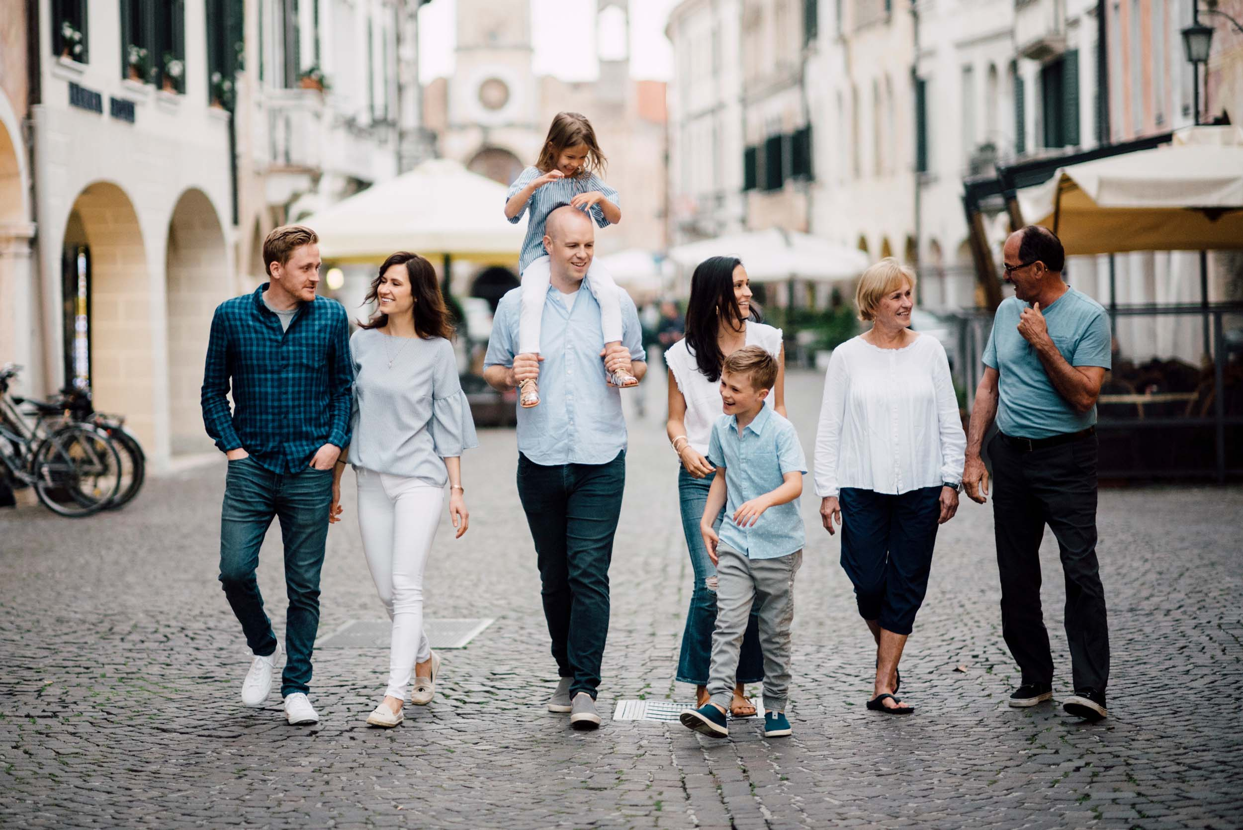 The Auld family in  Venice    Flytographer Serena