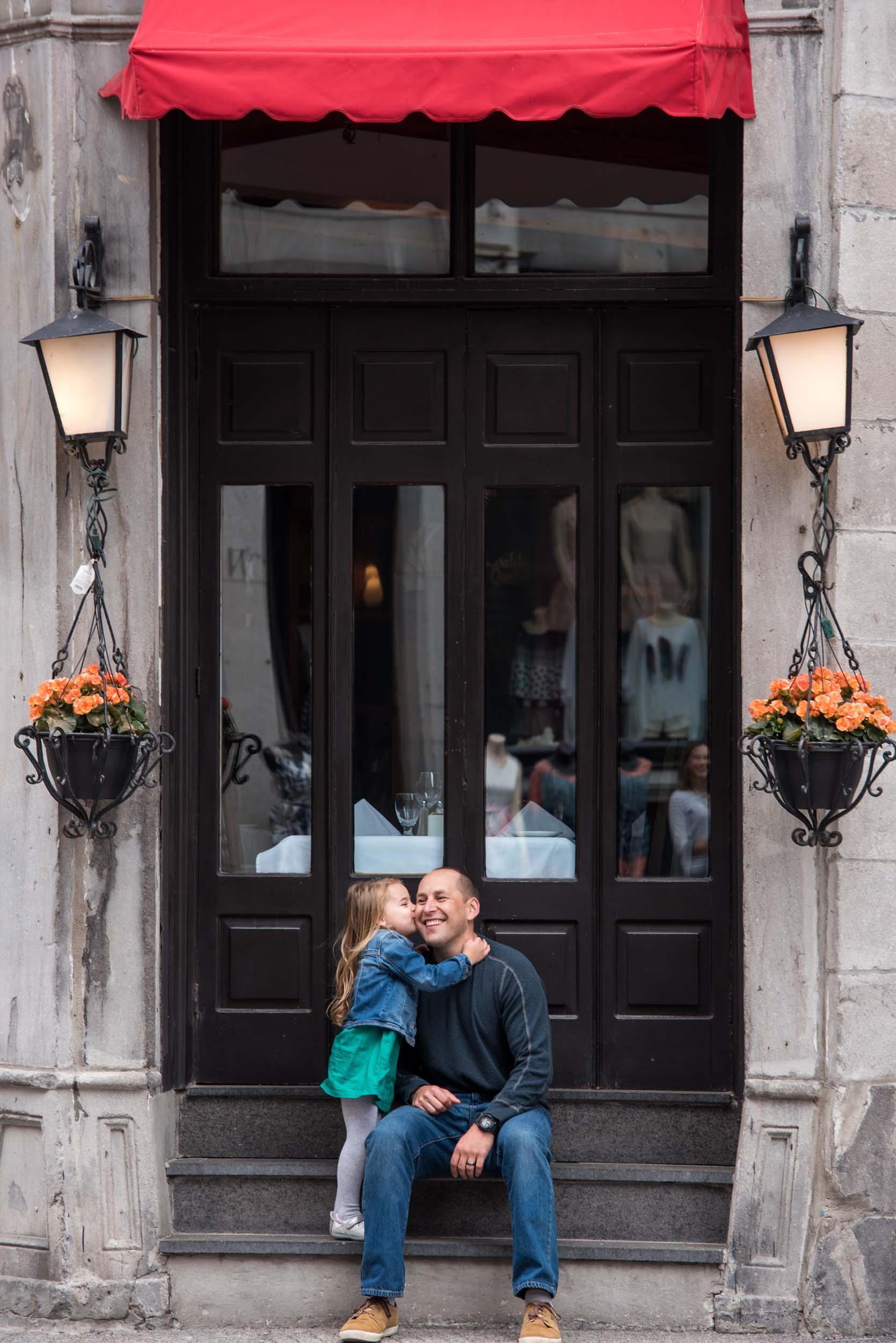 The Tutko family in  Montreal    Flytographer Marie