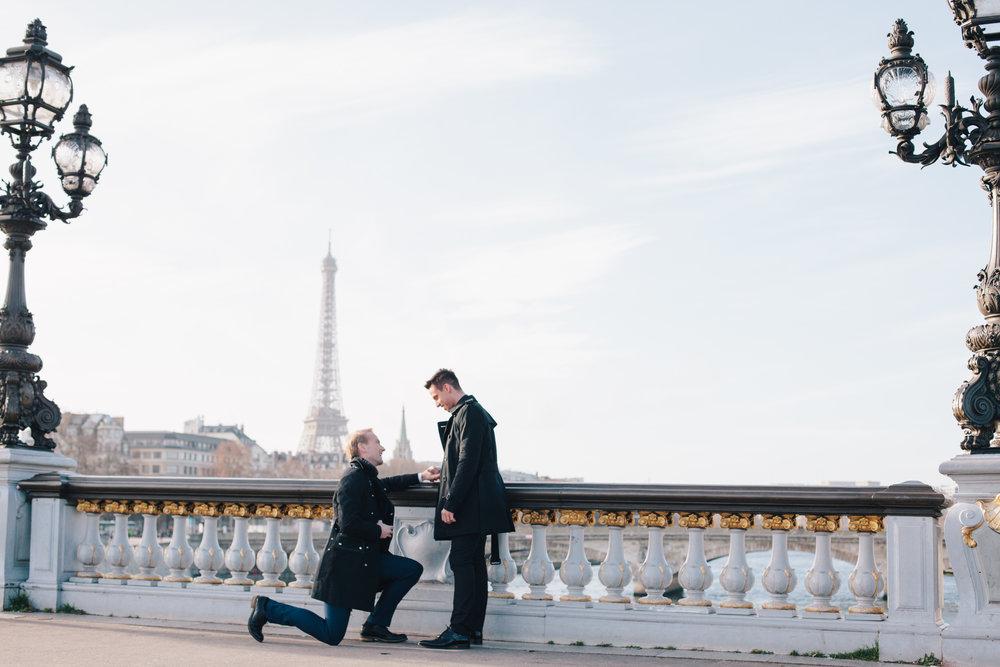 Flytographer Goncalo in Paris