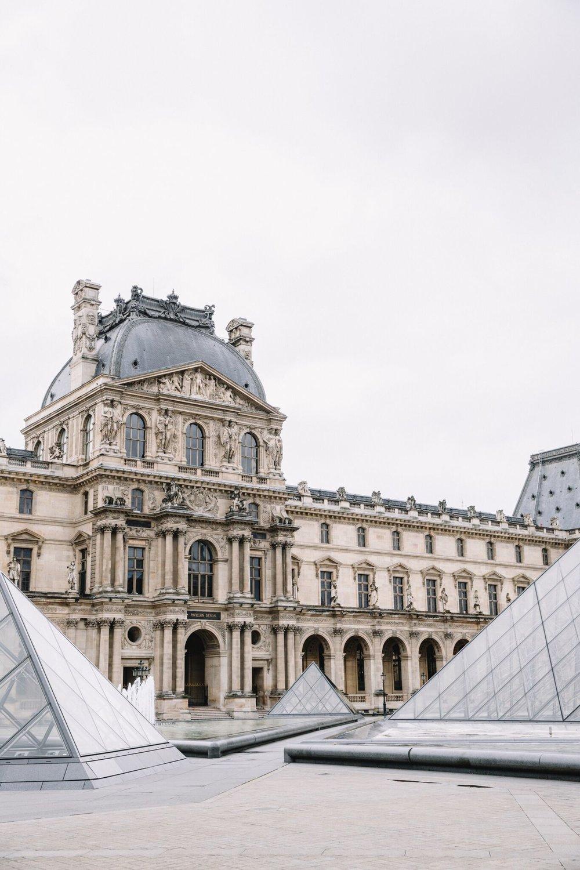 Flytographer Olga in Paris