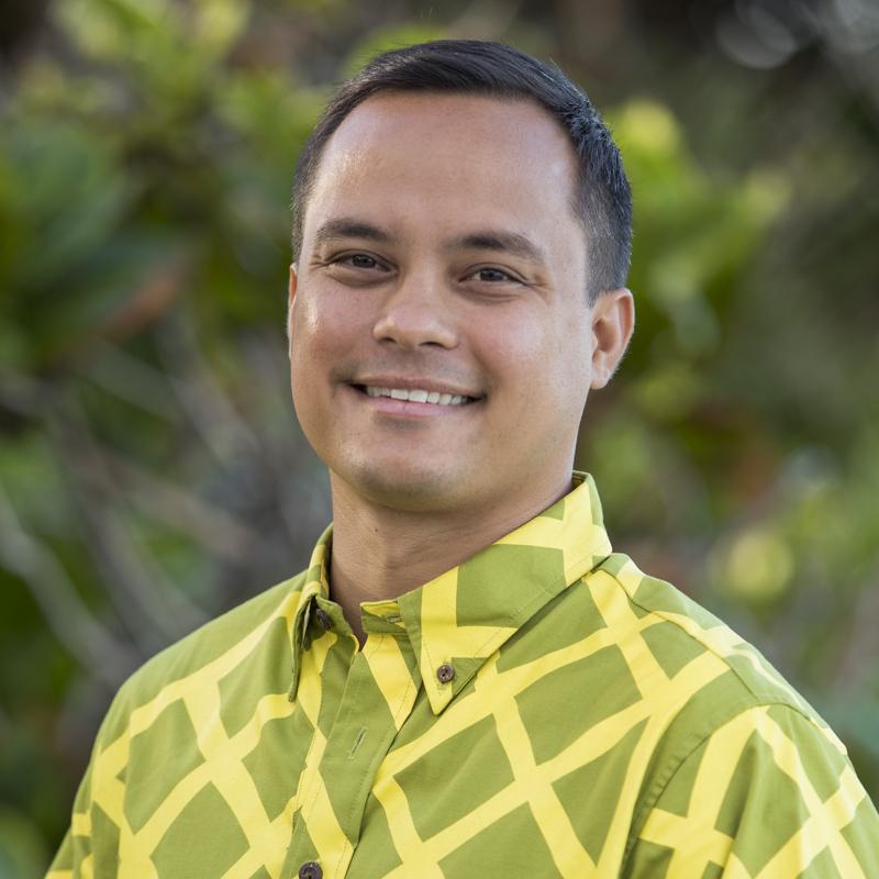 Your Vacation Photographer in Honolulu: Meet Aaron