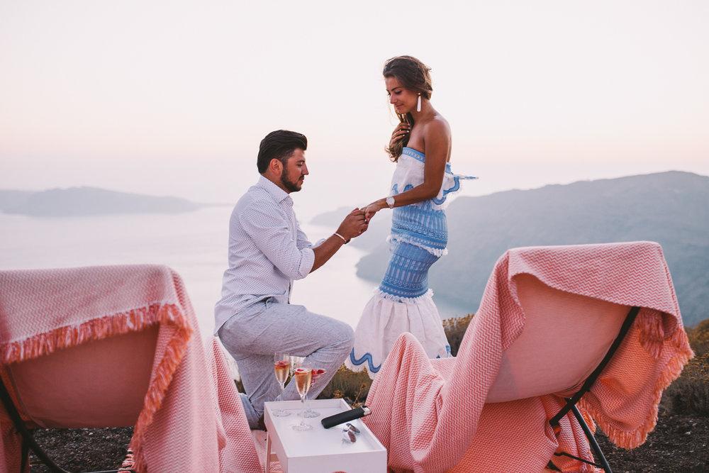 FLYTOGRAPHER Vacation Photographer in Santorini - Miltos