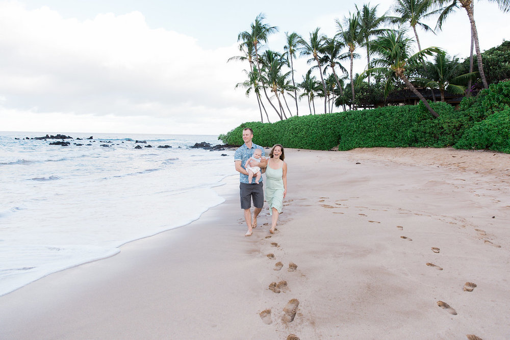 There's no better place for a beach getaway than Hawaii! Take a peek at 50 of our favourite photos to get inspired for your next vacation | Vacation and Proposal Photographer
