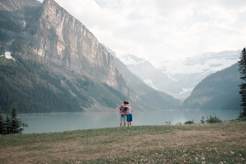 FLYTOGRAPHER Vacation Photographer in the Rockies - Lyndsay