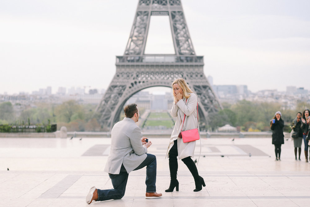 Get inspired for your proposal with this perfect surprise proposal in Paris - complete with Eiffel Tower views and stunning proposal photos! | Paris Proposal Photographer