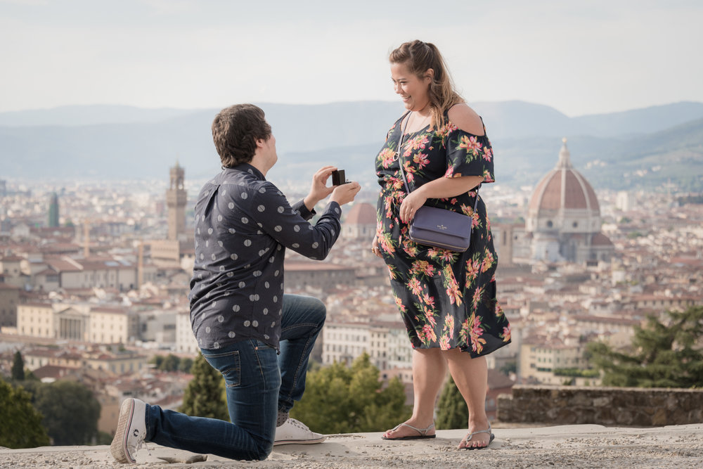 Obsessed with beautiful proposal photos? So are we! Take a look at Flytographer's favourite surprise proposal photos from August | Surprise Proposal Photographer