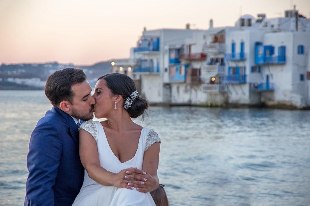 FLYTOGRAPHER Vacation Photographer in Mykonos - GiannisFLYTOGRAPHER Vacation Photographer in Mykonos - Giannis