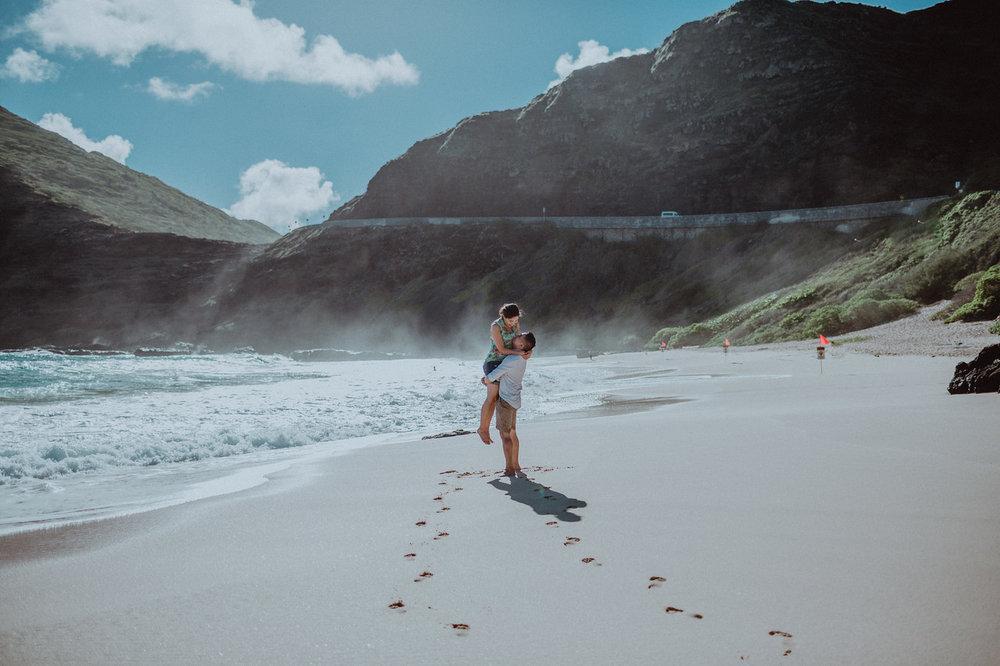 FLYTOGRAPHER Vacation Photographer in Honolulu - Pono