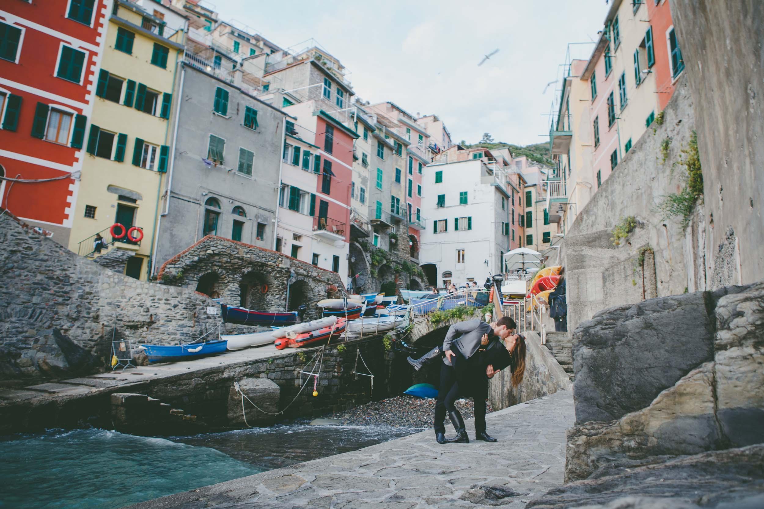 Flytographers Ramón & Sonia in Cinque Terre