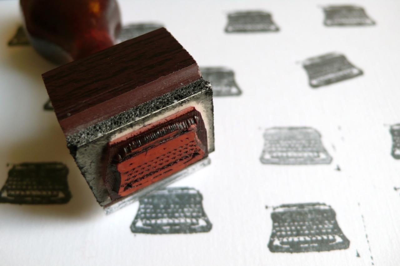 typewriter kisses.