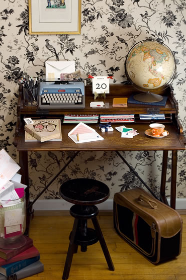 a wee little desk, meant for correspondence & perusing old issues of domino, only. … mr. boddington.