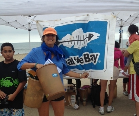 Sharon Kilbride with other volunteers cleaning Will Rogers State beach during Heal the Bay's annual Beach Cleanup