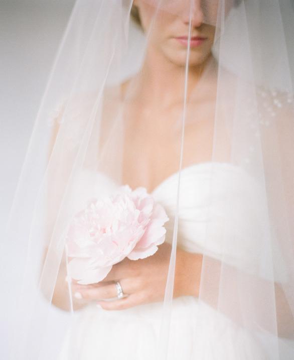 bride veil flower_resize.jpg