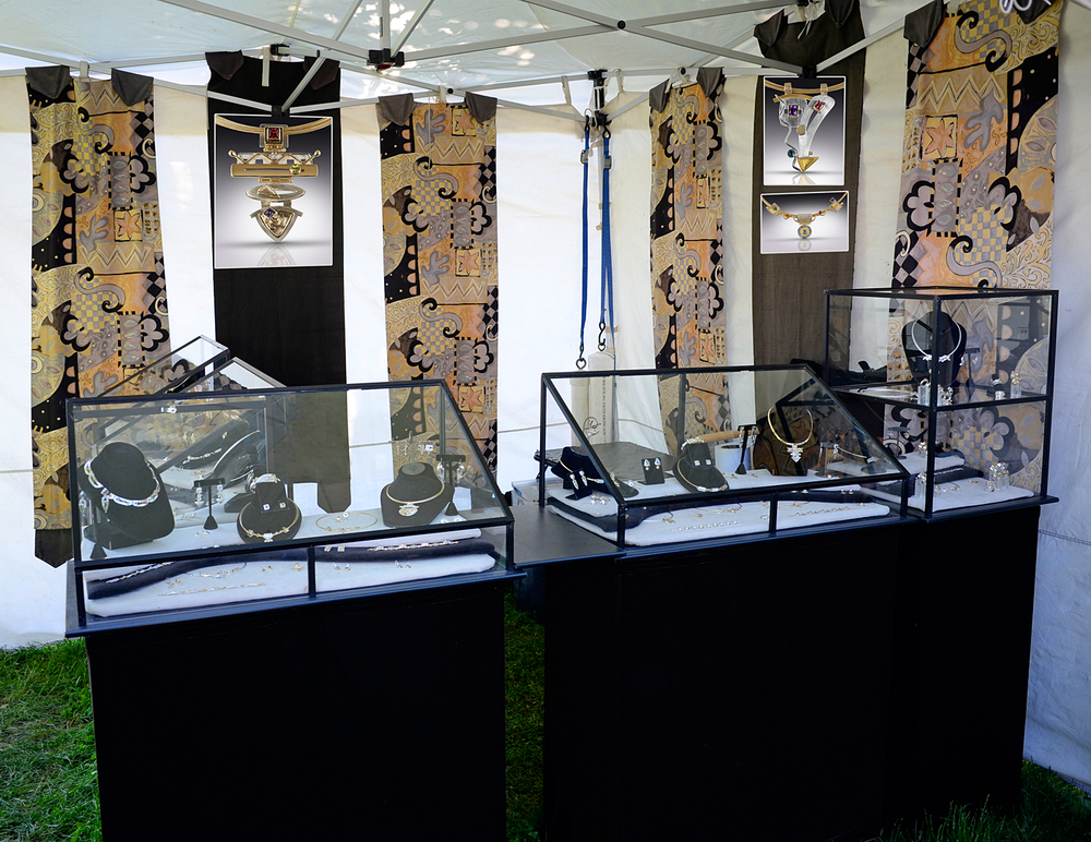 1400-a0822bf-booth.jpg