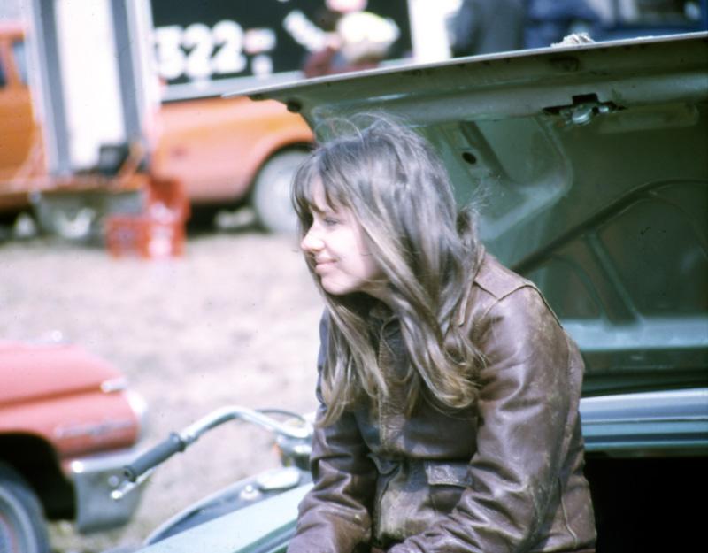 1971-04_MotoRace01.jpg