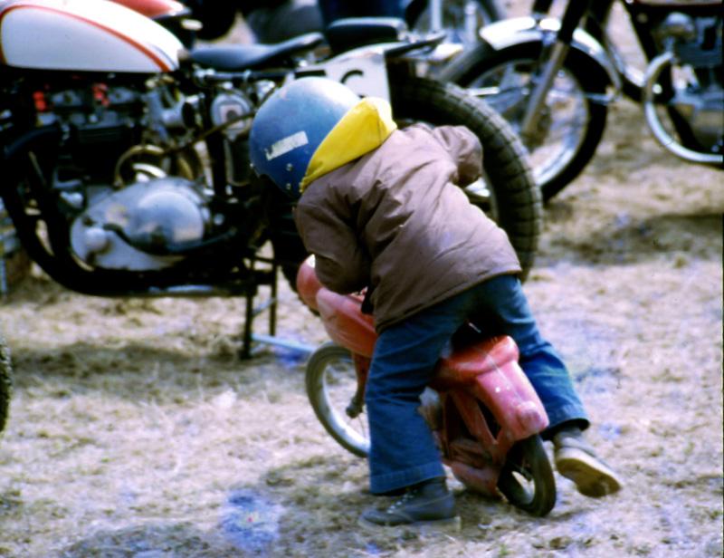 1971-04_MotoRace02_Aperture_preview.jpg
