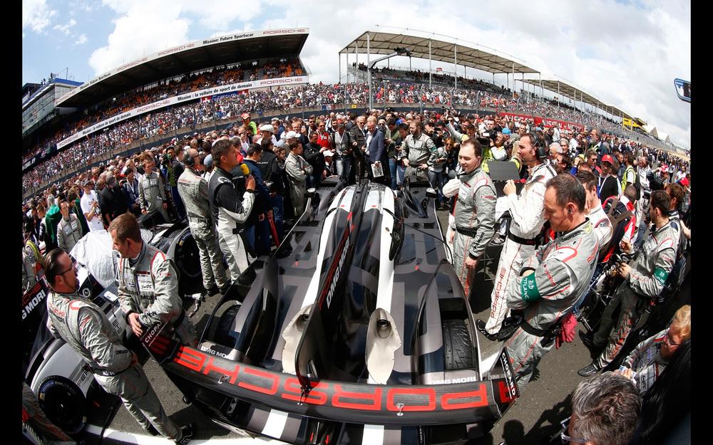2016-Porsche-919-Hybrid-Le-Mans-Victory-Static-11-2560x1600.jpg