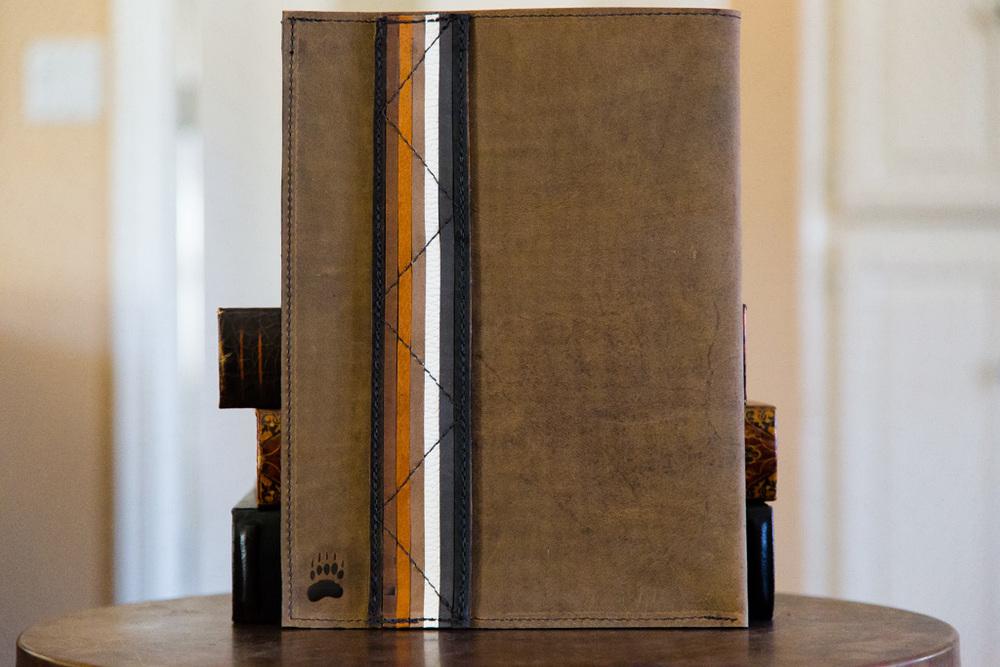 Bear flag striped iPad Sleeve