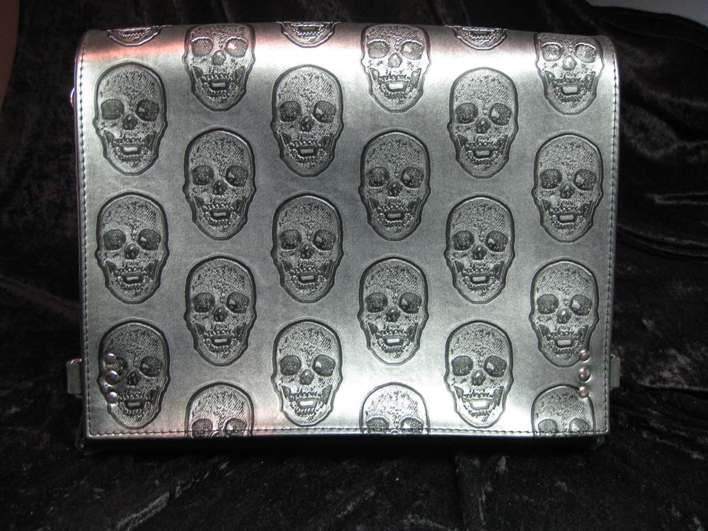 Skull-flap Messenger