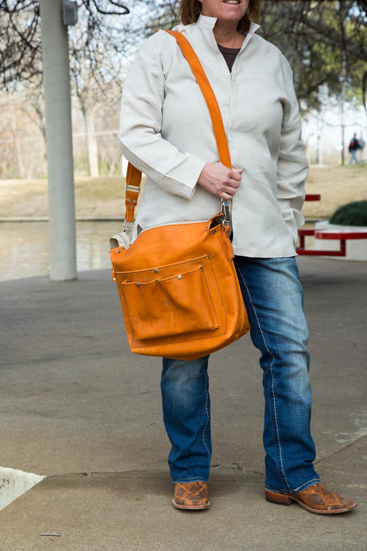 Flapless Messenger Bag