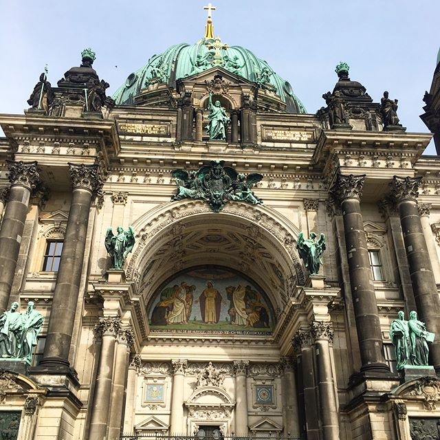 #berlin #germany #europe #topthings2do #bier #biergarten #currywurst #tour #travel #instatravel #biketour #history