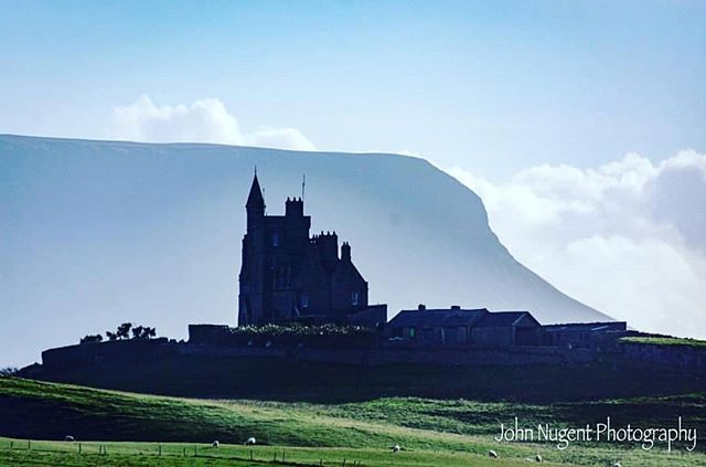 #Repost from @daily_ireland ... A touch of class! Sligo's epic mountain, Benbulbin and the equally iconic Classiebawn.  Photogragher➡️ @snappiechappie Be sure to check out his amazing work.  #discoverireland#irelandgram #loveireland#instaireireland #irishpride#eire#ireland#daily_ireland #worldplaces#beautifuldestinations #discoverearth#bestvacations #lonelyplanet#natgeotravel #daily_ireland_snappiechappie #sligo #sligowhoknew #sligotourism #benbulben #TT2D #topthings2do #tourismireland #tourism #wildatlanticway #roamtheplanet #wanderlust #familywanderlust #familytravels