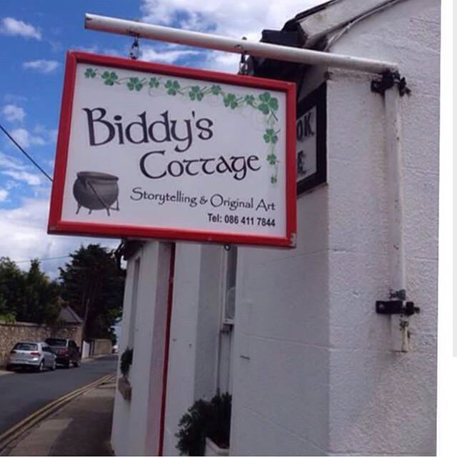Storytelling isn't dead! For the avid readers and tourists, we recommend Biddy's Cottage in Dublin.  #tourismireland #travelbug #travel #visitireland #storytelling #dublin #dalkey #discoverireland #discoverearth #irelandgram #instaireireland #loveireland #irishpride #irishreaders #irishculture #irishstories #daily_ireland #tourism #roamtheplanet #wanderlust #familywanderlust #familytravels #topthings2do #TT2D #loveireland #lonelyplanet #hobbies