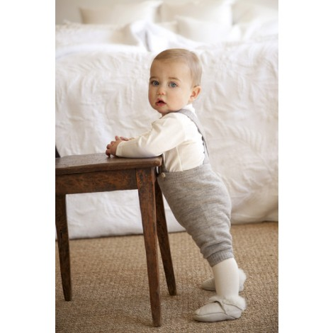 Although I can't really afford any of it, these organic wool pieces for baby from Nui are fabulous. If you knew you were going to have a second child, it would definitely make sense to invest in these pieces. And these knickerbockers are awesome!   (via  Natural Organic Merino Wool Knickerbockers for boys and girls. )