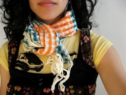 I absolutely adore this scarf. -fair trade, supporting native Guatemalans -fantastic colors (all of the colorways are really nice…) -summer weight -incredibly affordable If only I wasn't on a buying hiatus… Etsy :: heartisans :: ORANGE TEAL coTTon sCarF