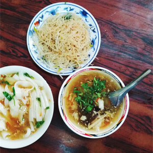 Mi Fen: Taiwanese Fried Vermicelli and Cuttlefish Soup