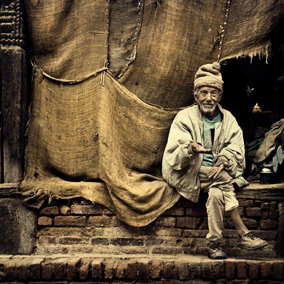 michiel-de-lange_man-in-bhaktapur.jpg