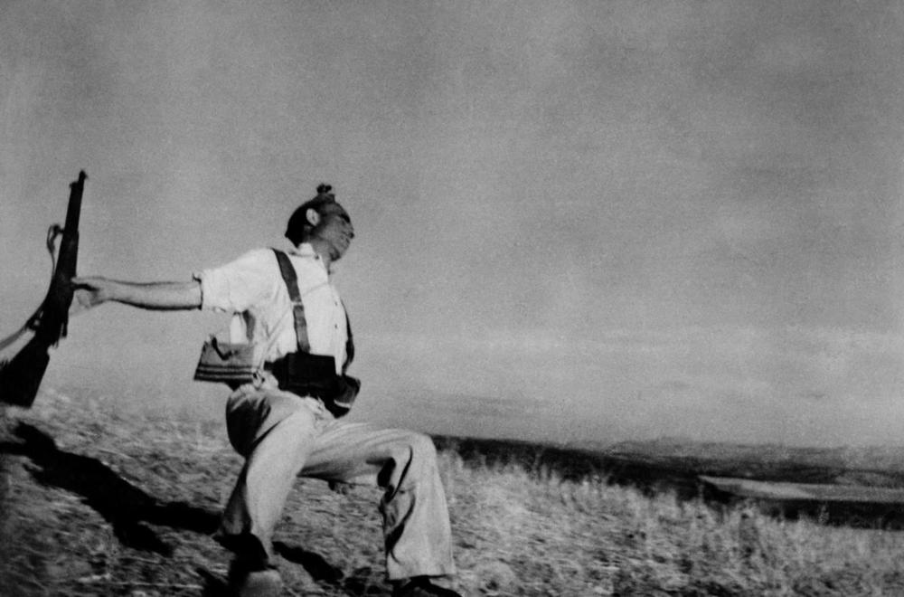Death of a Loyalist Soldier – Robert Capa, 1936