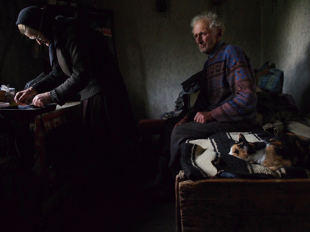 Honourable Mention People Waiting Roberto Fiore, Sarbi, Maramures, Romania.