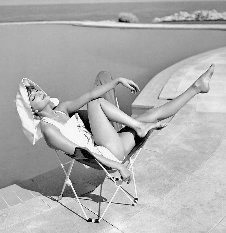 Marie-Helene Arnaud by Georges Dambier, Eden Roc, Cap d'Antibes, Elle, 1957