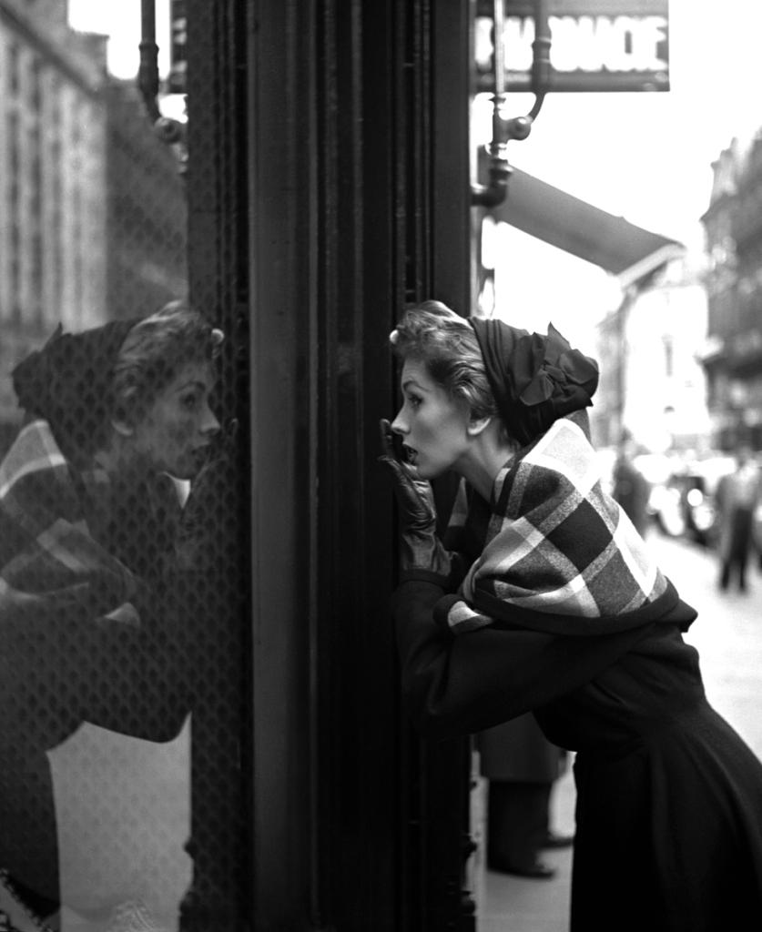 Suzy Parker Shop Lanvin Magazine Elle 1957 by Georges Dambier