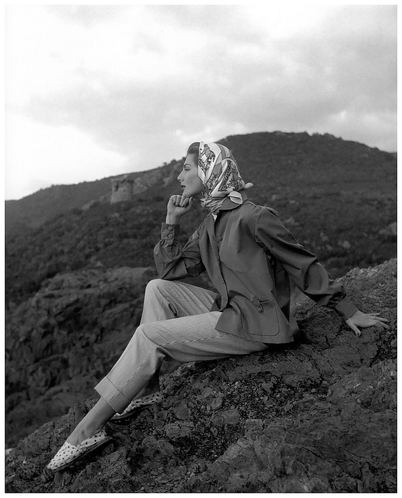 Fiona Campbell-Walter in cotton pants and poplin shirt by Jacques Fath and scarf by Hèrmes, Nouveau Femina, June 1954. Photo Georges Dambier