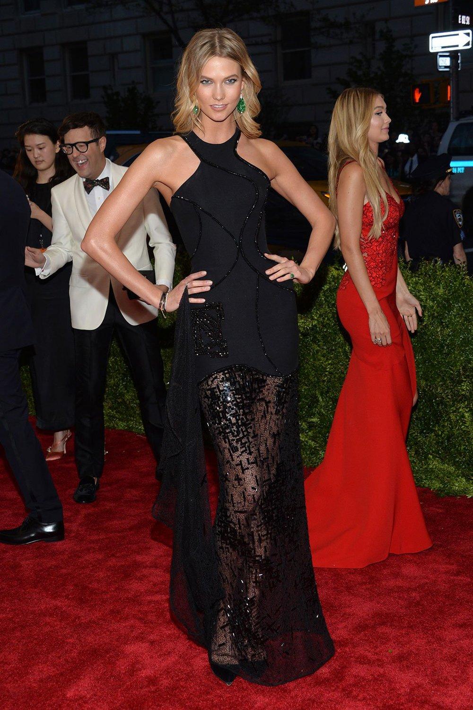 Karlie_Kloss in Versace.jpg