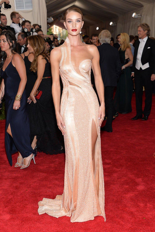 Rosie_Huntington in Versace .jpg