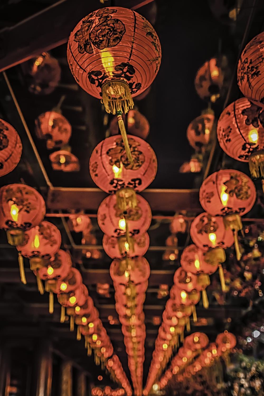 The Singaporean Lanterns of Chinatown