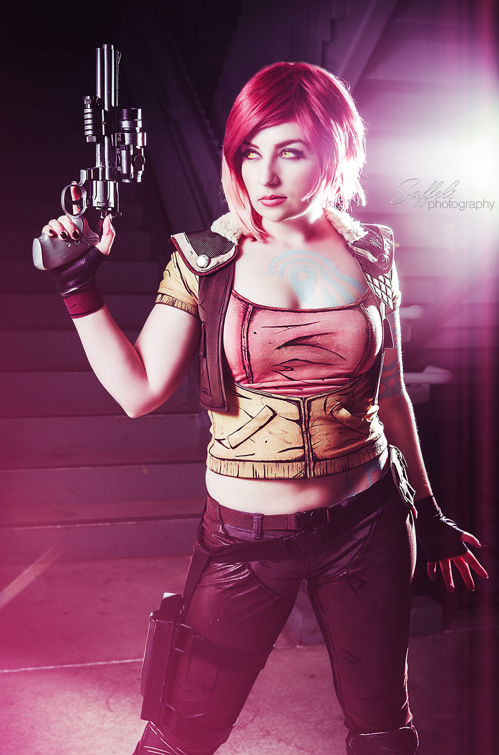 Wind of the Stars Cosplay as Lilith from Borderlands! Borrowed Darshelle's lights for this shot!
