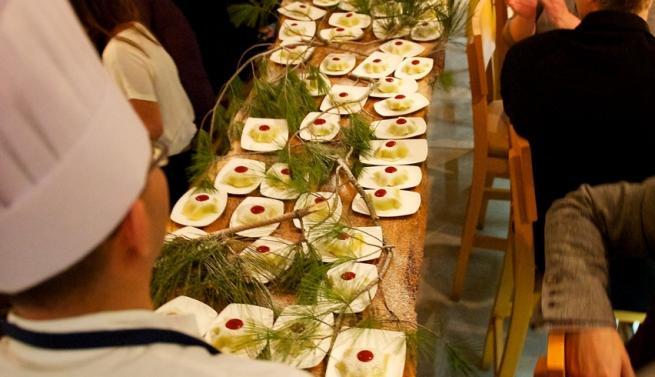 delivering_chef_michael_stadtlanders_gateaux_nippon_table_side_9sc_4521_-_version_2_0.jpeg