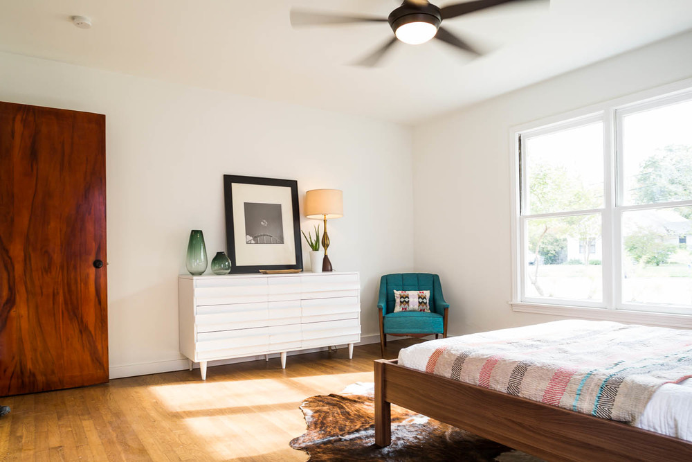 3208 cherrywood austin mid century modern bedroom with restored door