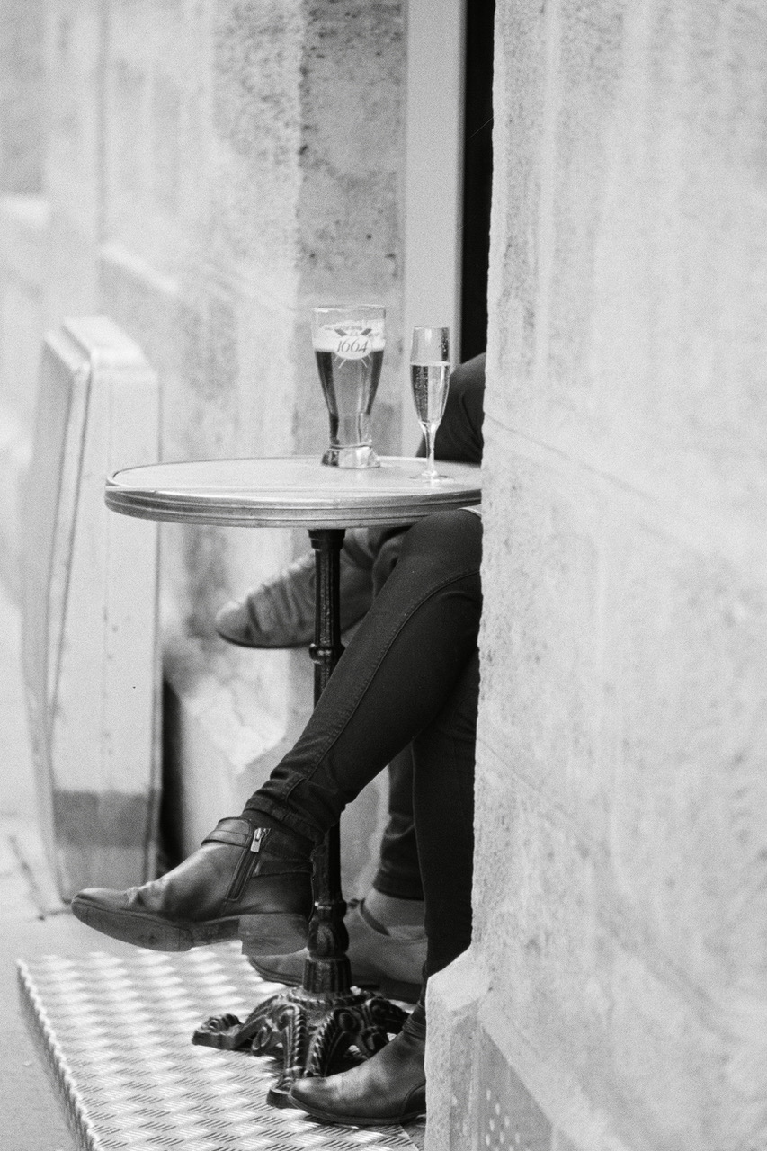 paris cafe tables wwwparisinblackandwhite.com.jpeg
