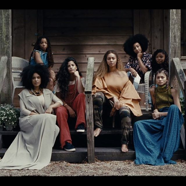 When #Beyonce assembles a #girlsquad. #slay #blackgirlmagic and so many more... 👑🐝✨ #Lemonade