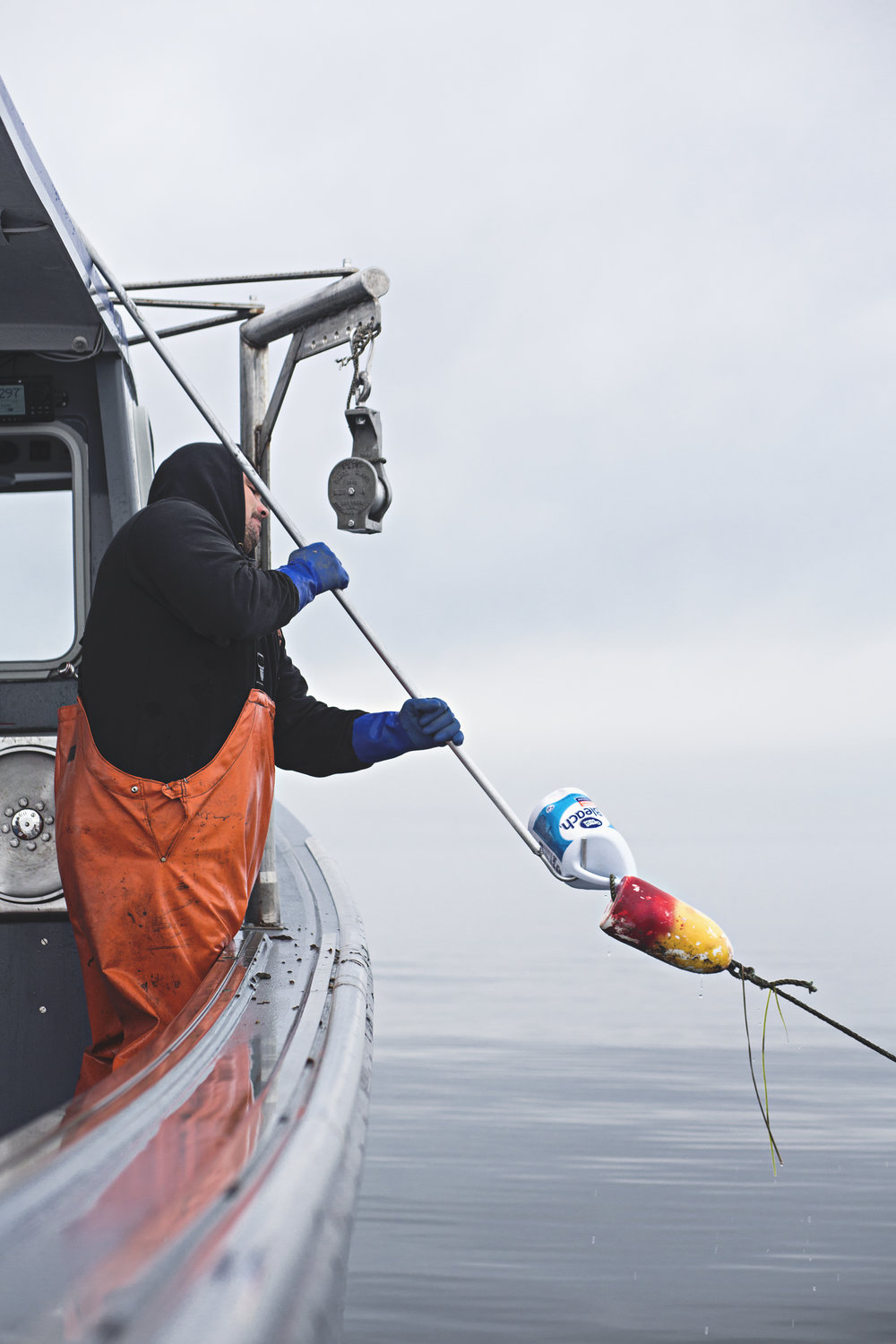 Kenny hooking a trawl.