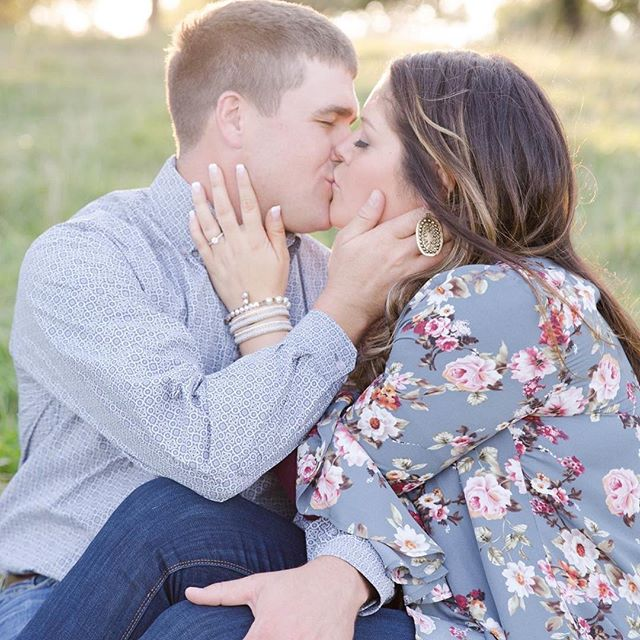 What an amazing night we had tonight! So much fun capturing engagement photos for these two love birds! Country side engagements are my favorite!  #desmoinesiowa #iowaphotographer #desmoinesweddingphotographer