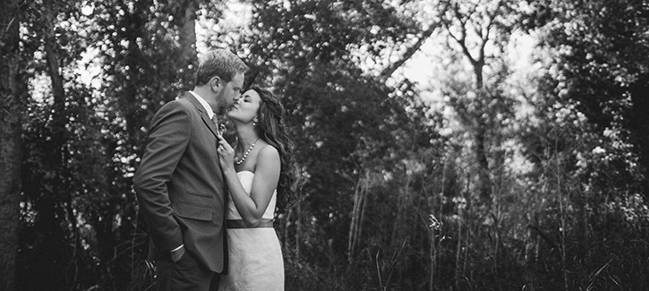 Denver Botanic Gardens Wedding Kiss